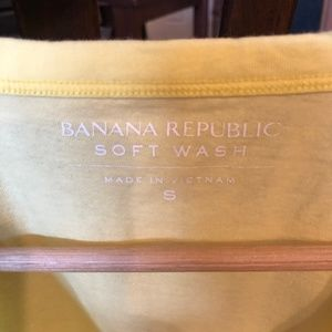 Banana Republic Shirts - Banana Republic Soft Wash V- Neck Cotton Tee
